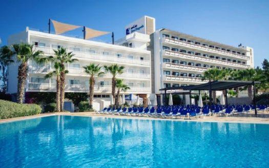 3 * Hotel in Ibiza!