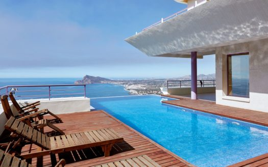 Stunning Villa in Altea Hills with wonderful panoramic views of the sea and the bay!