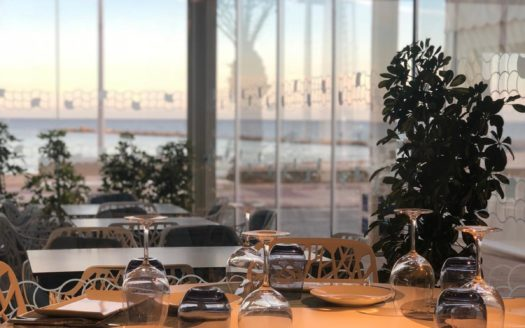 Exclusive design restaurant on the seafront in Alicante!