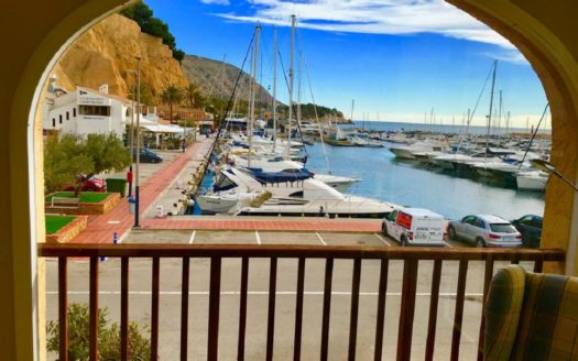 Magnificent apartment in prestigious yacht club in Costa Blanca in port Campomanes!