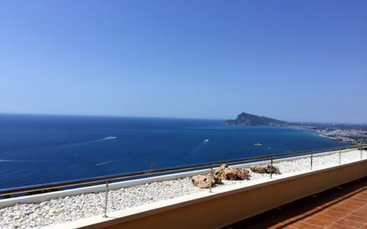 Wonderful luxury apartment with panoramic sea view in Altea Hills!