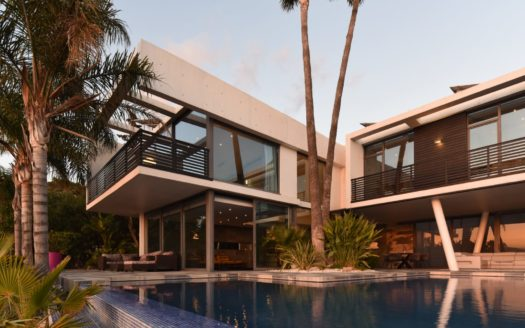 Beautiful, modern Villa with a unique view of the sea and the city in Benidorm!