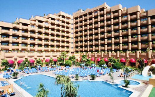 Hotel 4* en la primera línea del mar en Malaga!