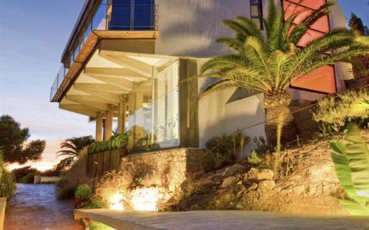 Фантастический дом в Бенидорме с потрясающим видом на море!