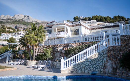 Inigualable complejo de lujo de dos Villas, en la prestigiosa zona residencial Altea Hills!