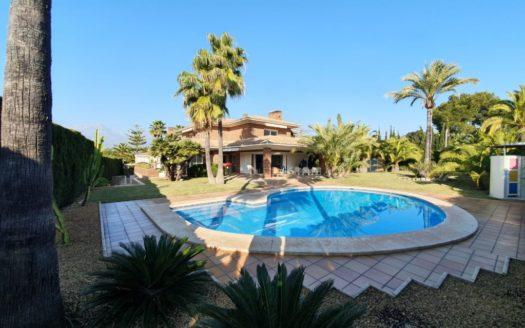 Preciosa Villa en Benidorm!