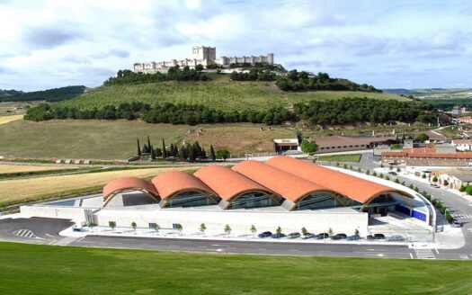 Winery and vineyards in the Rioja region, Spain!