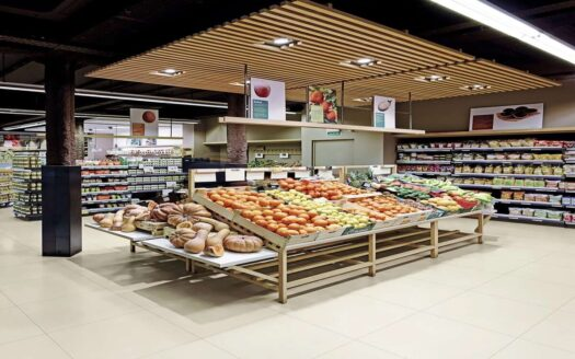 Profitable supermarket and cafe with a terrace for 100 seats in Spain!