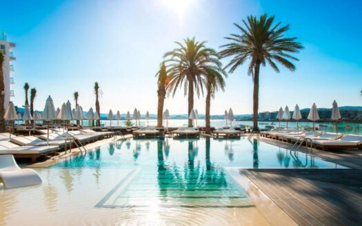 Fantastic luxury Hotel 4 * on the first sea line in Malaga!