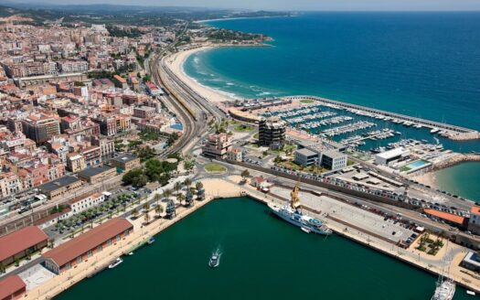 Apart Hotel 3* on the first sealine in Spain!