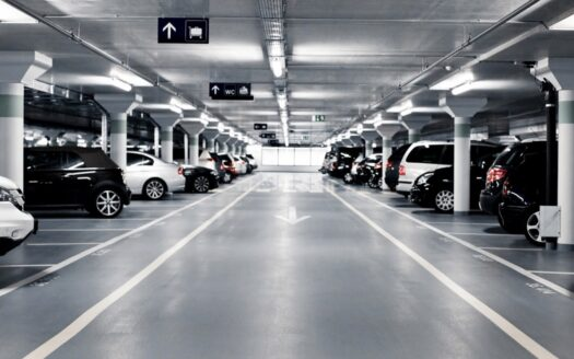 Sale of underground parking in a shopping center under construction!