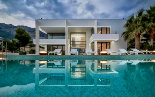 The most luxurious Villa in the exclusive residence ALTEA HILLS!